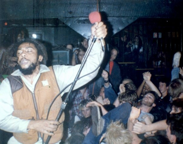 punk-fuck:  maaaaalfunction:  BAD BRAINS  HR