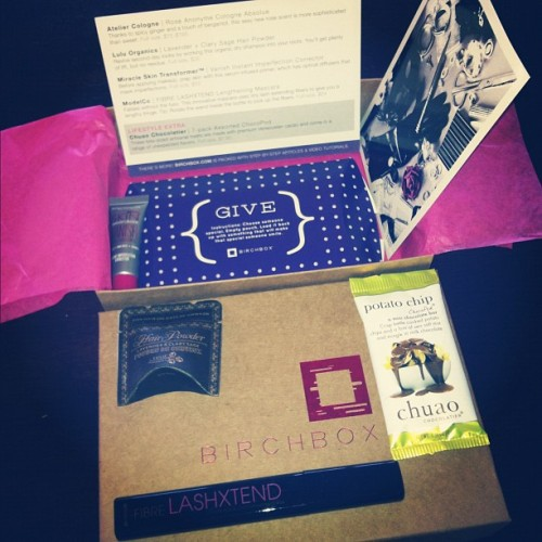 I got my #birchbox!  1. Atelier Cologne Sample 2. Lulu Organics Lavender + Clary Sage Hair Powder Sample 3. Miracle Skin Transformer 4. Fibre LashXtend Full Mascara 5. Potato Chip Chocopod Sample 6. Postcard