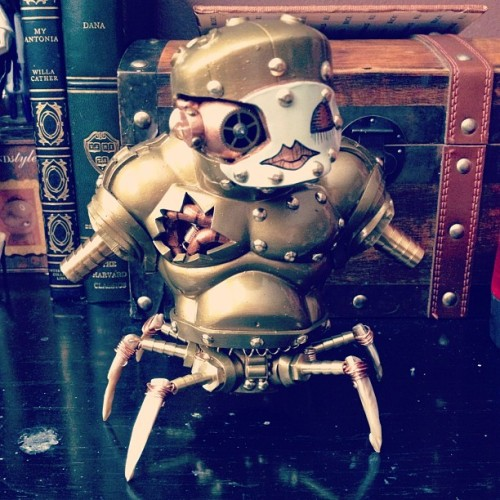 I just need to add the chains and this one is done! #art #toy #vinyltoys #customtoy #steampunk #robot