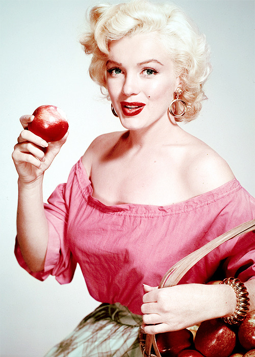 Marilyn photographed by Nickolas Muray, 1952