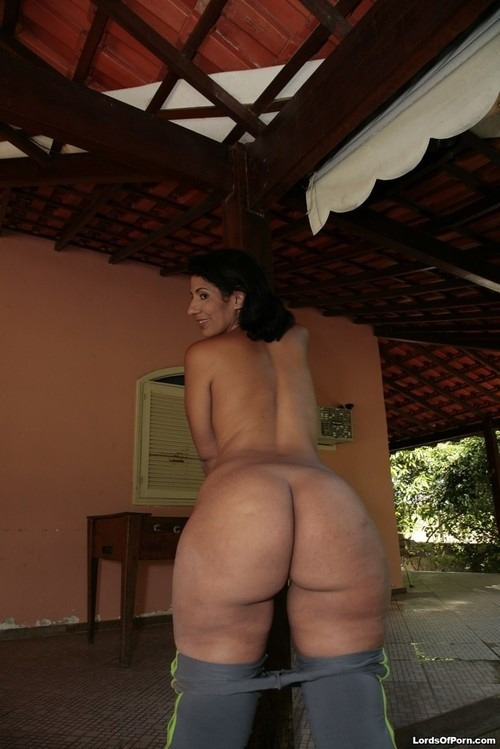 emandagreat:  That's a lot of ass!!!