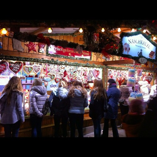 #crowd #christmasmarket