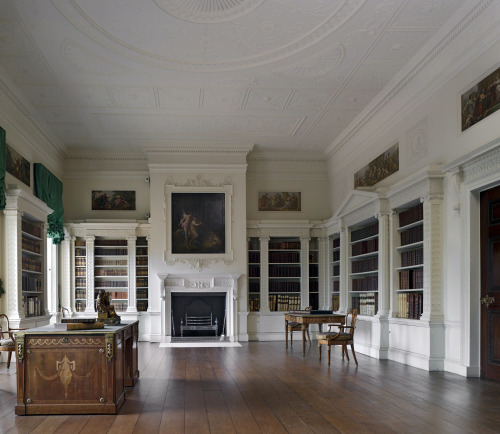 speciesbarocus:  The Library at Osterley Park was designed by Robert Adam in 1766. > By Dennis Gilbert.