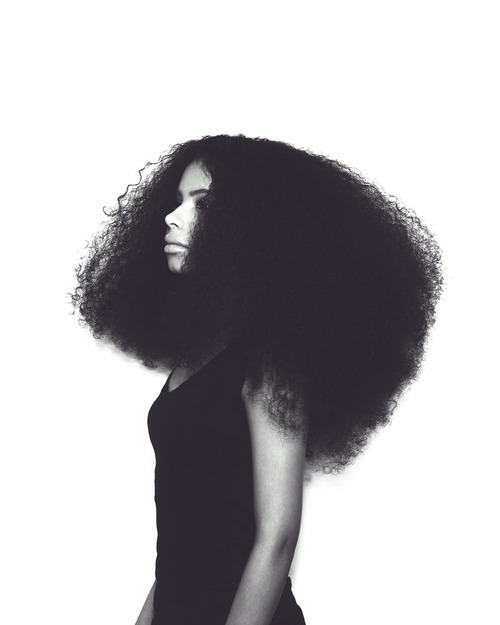 eccentric-samantha:  one of the gods of natural hair 0.o