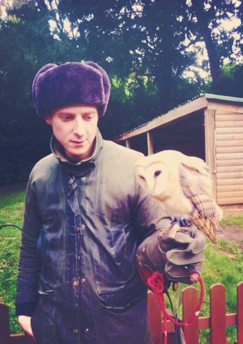 pondspondsponds:  Arthur x Owl  i must have that hat.