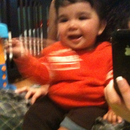 say hi Mateo n he waved (,: