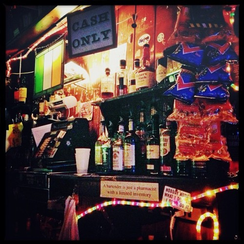 Rossi's Liquors #iphone #prohdr #snapseed #chicago #bar  (at Rossi's Liquors)