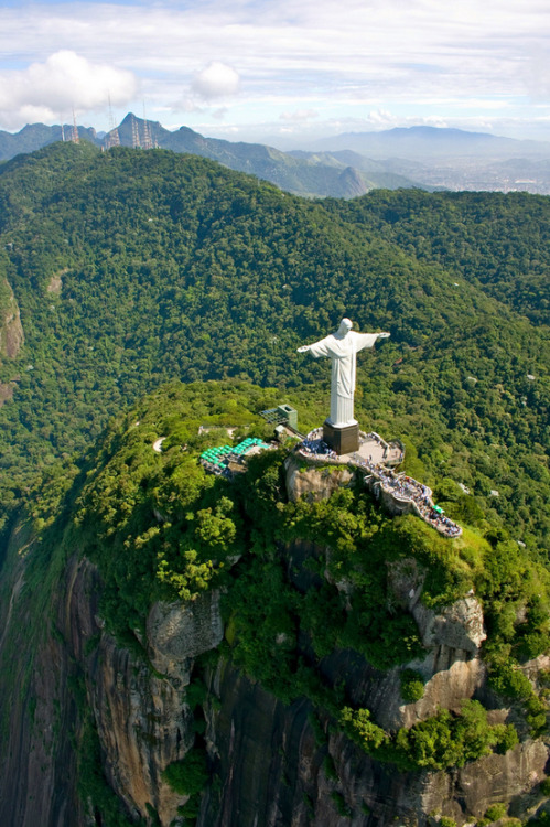 c-aitlins:  via Stumblr  Christ the Redeemer Cristo Redentor is a statue of Jesus of Nazareth in Rio de Janeiro, Brazil; considered the largest Art Deco statue in the world and the 5th largest statue of Jesus in the world.