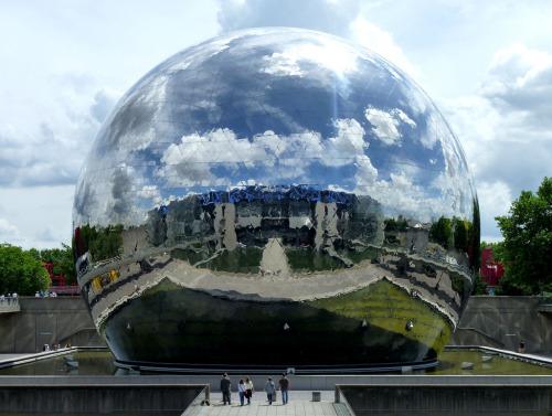 huxlee:  La Géode - Paris, France