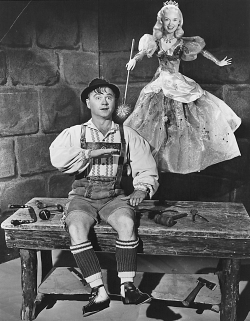 televisionmusicals:   Pinocchio. 60 Minutes. Musical. Broadcast October 13, 1957 (Sunday, 5:30-6:30 pm) NBC. Executive Producer: David Susskind; Writer: Yasha Frank; Lyricist: William Engvick; Composer: Alec Wilder. Cast: Mickey Rooney, Fran Allison, Jerry Colonna, Walter Slezak, Stubby Kaye, Martyn Green. More information in Television Musicals, by Joan Baxter (2012). Press photo, Library of American Broadcasting.