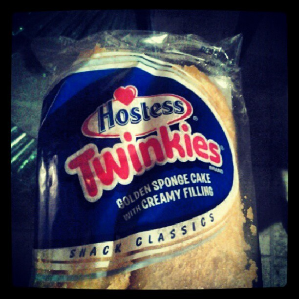 Im high and I had to get one more im going to miss these bad boys #twinkies #smashin #staysmoking #stayhigh #stonersunite by noworries_ryen http://instagr.am/p/SZqQn7tGtG/