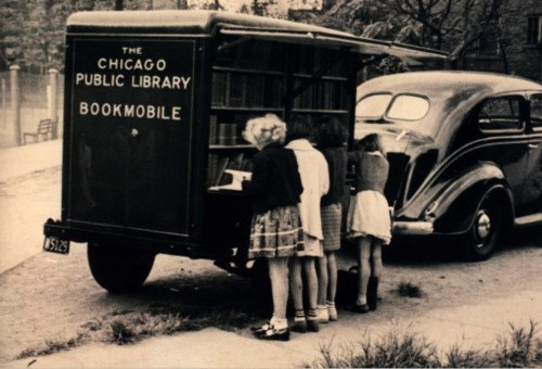 Vintage picture of the Chicago Public Library bookmobile