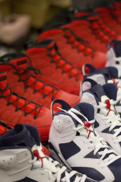aagdolla:   Red Jordan 9 didn't even come out yet and Jordan 6