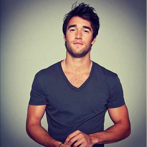British guys…. #joshbowman #actor sexy #entertainment #revenge #eyes #innocent #cute #British arms #tan #instahub #celebrity #fanous #hubby #marry #hair #pose