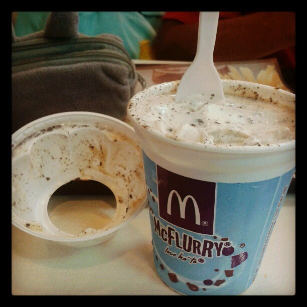 Finally… Toffee Banana McFlurry.. Ughhh… :3 #cravings #mcdonalds #food #instafood #yummy #sweet (at Mcdo San Pedro)