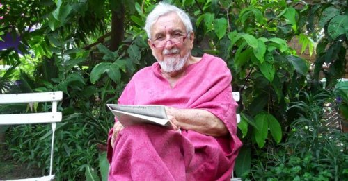 Renowned columnist Ardeshir Cowasjee passes away One man who had the courage to say it all is no more. RIP. (news item, via umalik)  Follow us on Facebook | Twitter or Submit something or Just Ask!