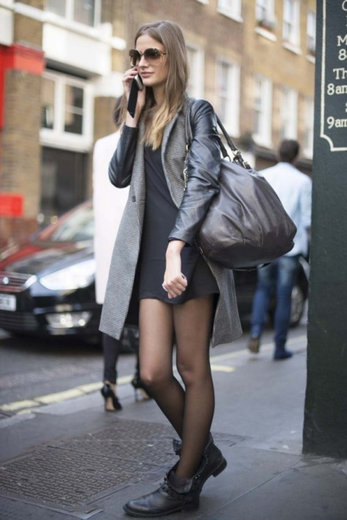 vogues-secrets:  need more street style blogs to follow! ask me to check out your blog!