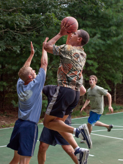 pootee:  OBAMA PLAYING BASKETBALL IN BASQUIAT SHIRT, 2012 √