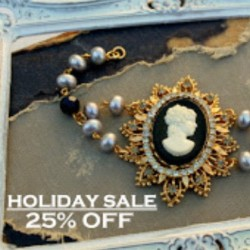 Kicking the Holidays off with a Sale in the Shop~ 25%Off all Jewels today through Monday, Just enter (CYBER) in the Promo Code section at Check Out! Thank You for Supporting my Jewelry Creating Passion!  (at Simply Me Art Studio)