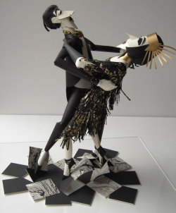 (via Paper Art - 100 Extraordinary Examples of Paper Art | Webdesigner Depot)