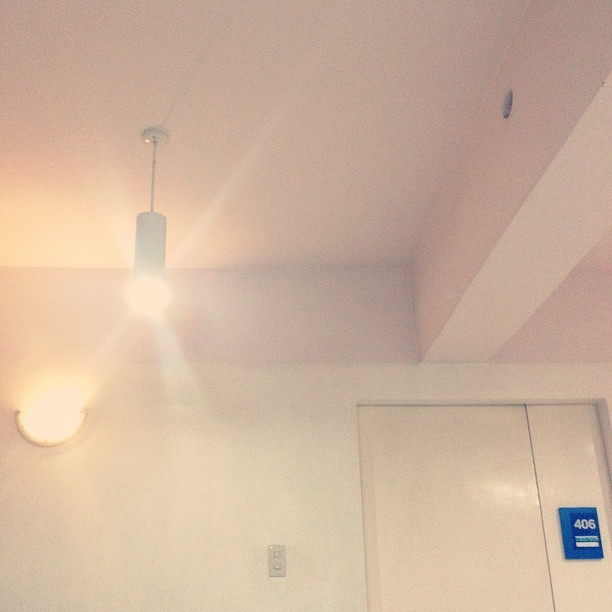 Some peace and quiet. Random shit. #nightduty #hospital #instamood #lights