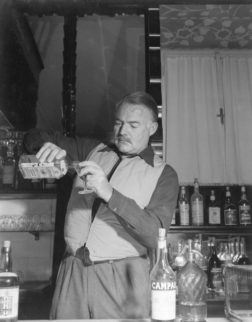 "One of Ernest Hemingway's Favorite Cocktails: Whiskey & Soda 2 oz Whiskey (Scotch, bourbon, or rye)4 oz seltzer/sparkling water (Hemingway loved Perrier)Fill a Highball glass with ice, add ingredients, stir, serve. Option, garnish with a wedge (or peel) of lemon or lime.The Whiskey & Soda (often called Scotch & Soda) was one of Hemingway's favorite drinks, mentioned more times than any other. ""Only suckers worry. But he can knock the worry if he takes a Scotch and soda. The hell with what the doctor says. So he rings for one and the steward comes sleepily, and as he drinks it, the speculator is not a sucker now; except for death."" To Have and Have Not"