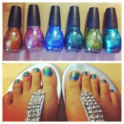 Bored… #toes #peacock #mermaid #hatefeet #sinfulcolors