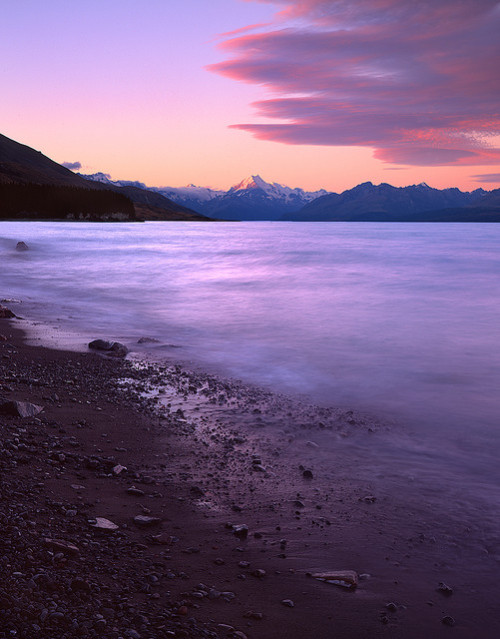 nesola:  Mt Cook by rczeien on Flickr.