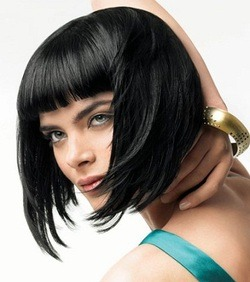 Bang are in. How about these bangs with this whispy-ness? :) #hothairright now #bangs #goforit