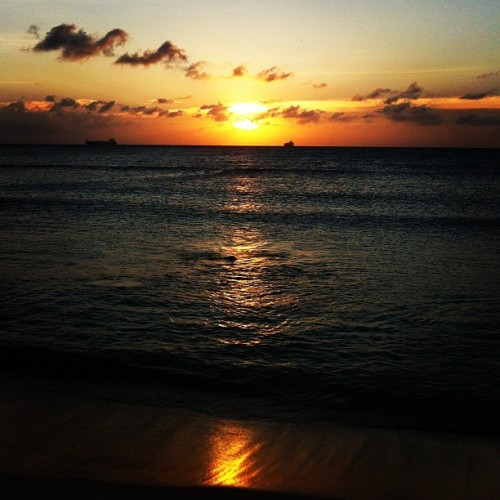 #sunset #sun #sky #beach #sand #aruba #arashibeach  (at Arashi Beach)