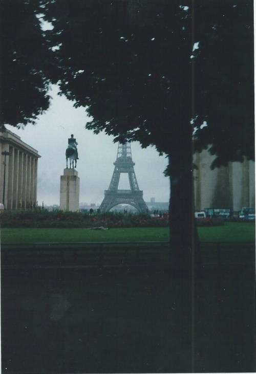 notsofancyphotos:  Paris 1992  (Photo not taken by me)
