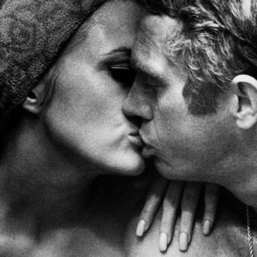 theswinginsixties:  Faye Dunaway and Steve McQueen photographed by Bill Ray, 1967.