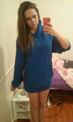 Wearing my babys jumper cuz it smells like him :3