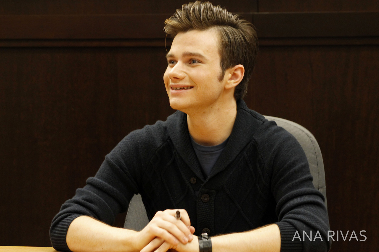 SBL: The Carson Phillip's Journal signing at The Grove Tumblr_me163pNf5o1qh4ldbo2_1280