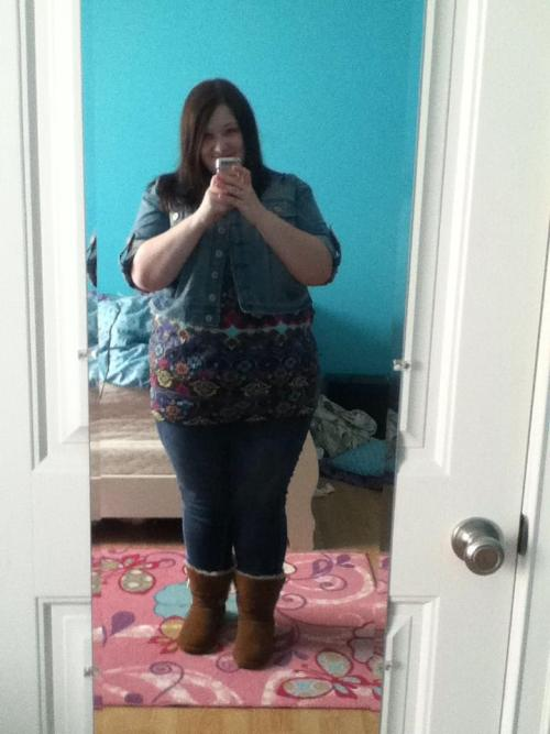 chubby-bunnies:  I'm Kelsey! Ready to go out with a few friends! I loved my outfit. I'm a size 20/22 USA. 250+ pounds. Loving every inch of my body!