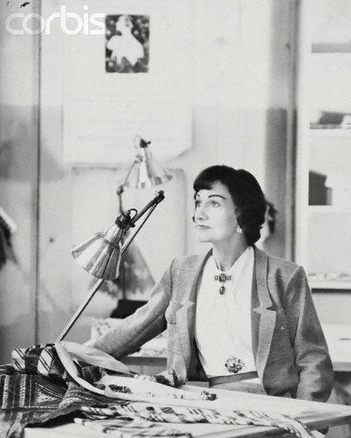theniftyfifties:  Coco Chanel photographed by Henry Clarke, 1954.