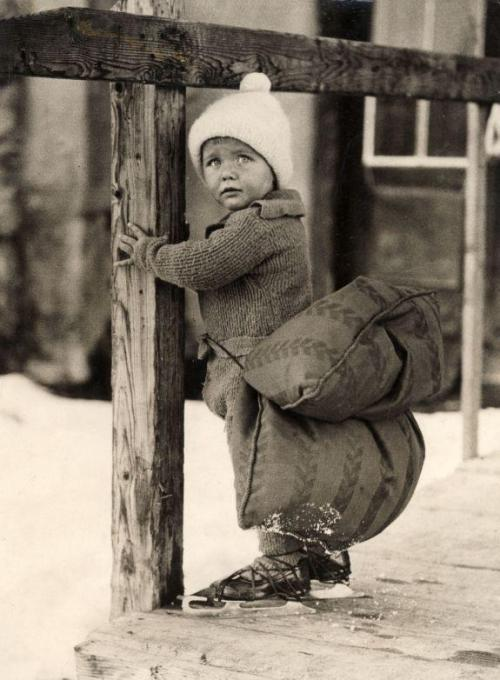 Dutch Skater. 1933. It pays to come prepared.