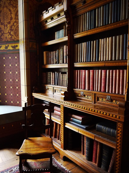 Reading Alcove, Cambridge, England photo via horrorday