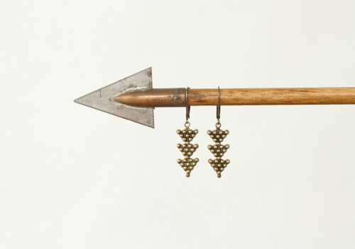 stuffifoundonetsy:  Little Arrows - Tribal Brass Arrow Earrings by Prairieoatsby prairieoats Price : 22.00 USD Buy here : http://etsy.me/10C7FVs