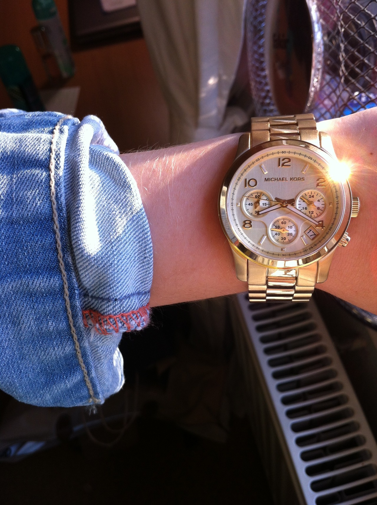 greta-74: uh yeeah lovin my michael kors  greta-74: WOW!!!! 100.00 notes! never thought that my picture would ever get that many yeeah