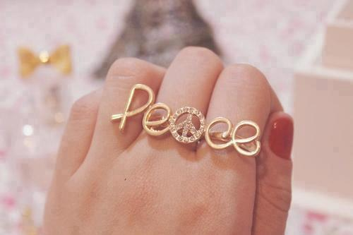 chick-who-isnt-you:  accesories | Tumblr on @weheartit.com - http://whrt.it/YgDJ1C