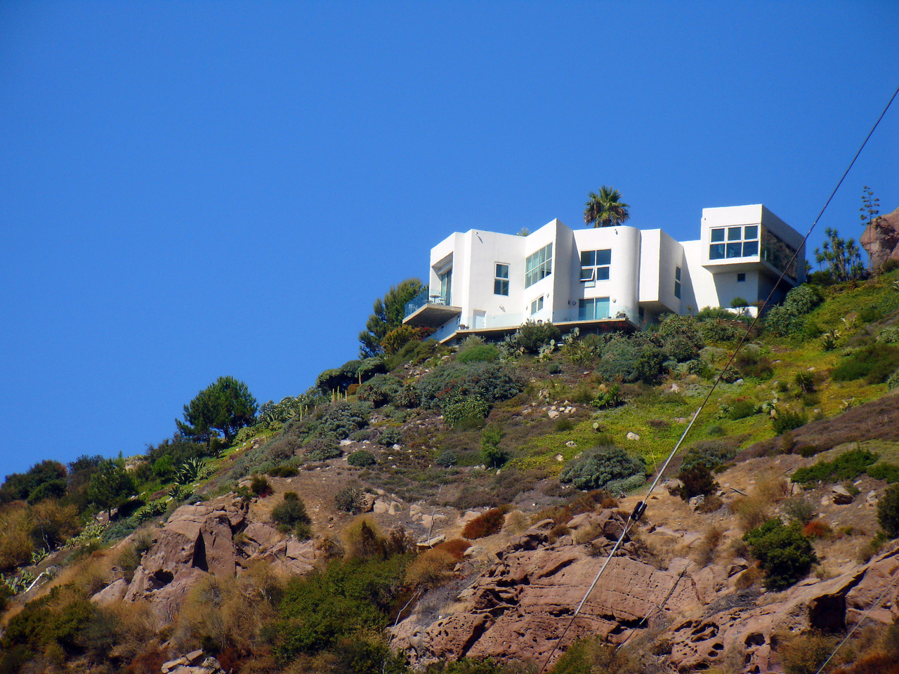 Why yes, I have seen the big white house on the hill in Malibu. Even took a picture.