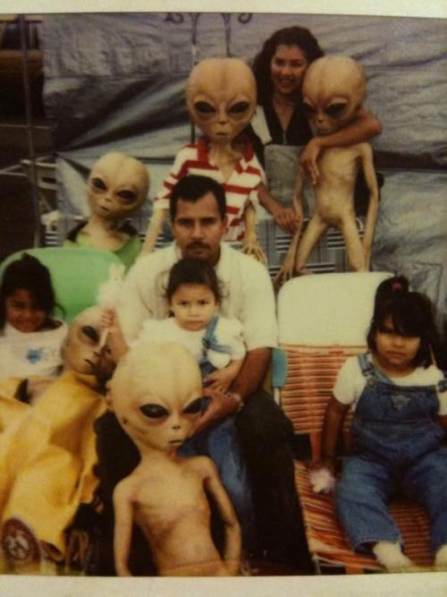 toonvmi:  Family portrait of an illegal alien family.