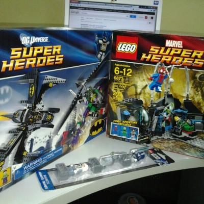 These arrived today! Oh my early christmas! #lego #legosuperheroes #dc #dccomics #dcheroes #marvel #marvelcomics #marvelheroes #batman #joker #spiderman #ironfist #doctoroctopus #toys #legoig #instalego #instagood #afol #legoswag @stewedapples @lilayli  (at 21F Smart Tower)
