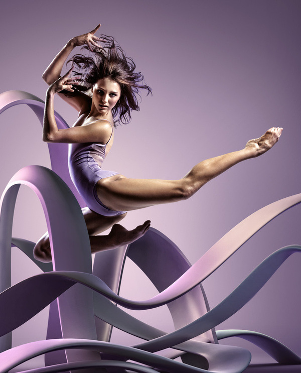 Frozen Dancers in Air - Inspiring 3D Sculptures that represents their motion and style For Graphic inspiration visit http://webneel.com