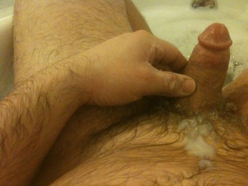 dullthedoldrums:Had some well-deserved bath time tonight…and decided to take a few pics )