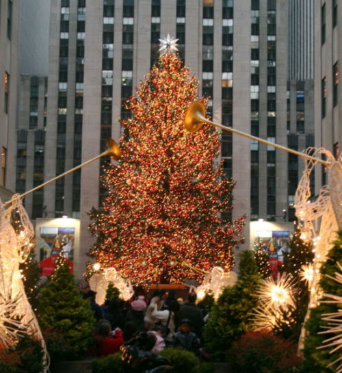 The Rockefeller Center Christmas Tree is typically lit the week after Thanksgiving. The 2012 Rockefeller Center Christmas Tree lighting ceremony is going to be Wednesday, November 28, 2012.