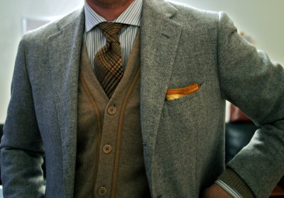 thetieguy:  love this tie + cardigan.