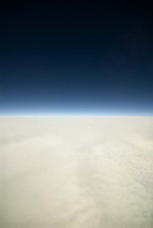farahhhh:  oivm:  Skies over the Atlantic  wow