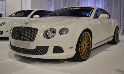 carpr0n:  All in white Starring: Bentley Continental GT (by Bernardo Macouzet Photography)